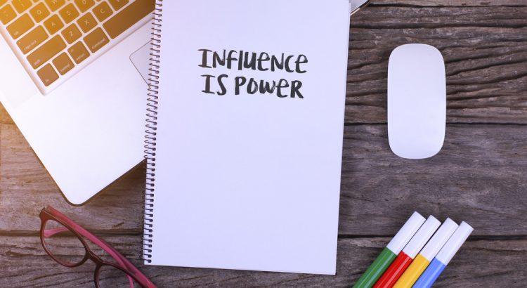 influenceurs-pertinence-charisme.jpg
